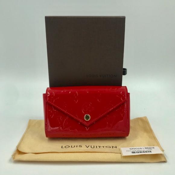 e5279604530 Authentic Louis Vuitton Vernis Leather Lucie Pouch
